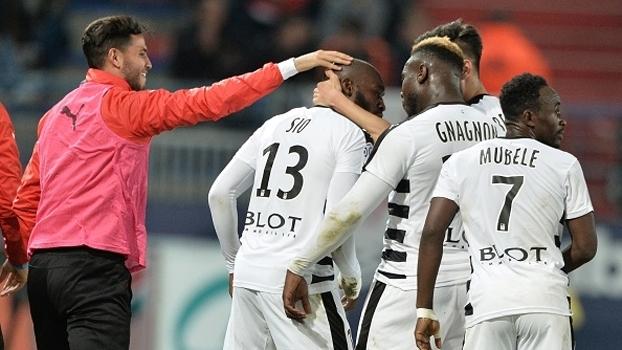 Rennes vence fora de casa e segue em 9º na França