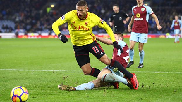 Richarlison passa em branco, Burnley vence Watford e segue colado no Tottenham