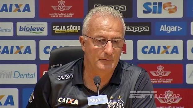 Dorival vê instabilidade normal no Santos e confia em reação: 'Não se esquece de jogar bola'