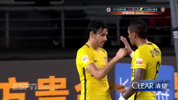 Paulinho e Ricardo Goulart garantem vitória do Guanghzou na Liga Chinesa
