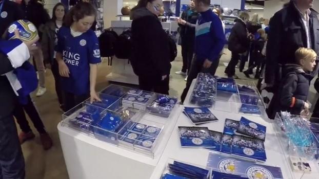 Bolada em aposta e camisas esgotadas: ninguém estava preparado para o improvável Leicester