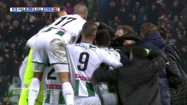 Líder do Holandês, PSV abre vantagem, mas leva gol no último minuto e tropeça contra o Groningen