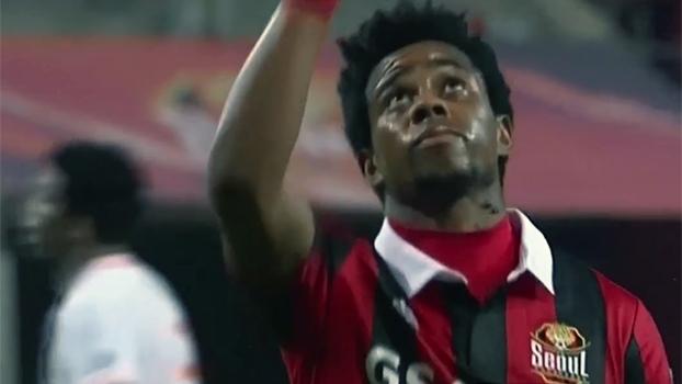 Adriano 'Michael Jackson' marca, e FC Seoul derrota Shandong na Champions Asiática