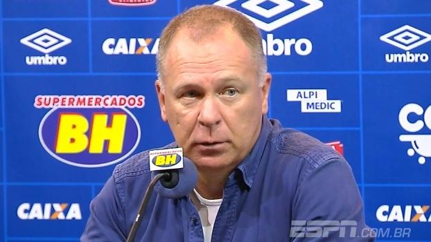 'A arbitragem foi dolorosa' critica Mano Menezes após empate
