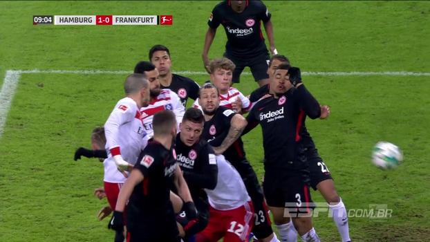 Assista aos gol da vitória do Eintracht Frankfurt sobre o Hamburgo por 2 a 1!
