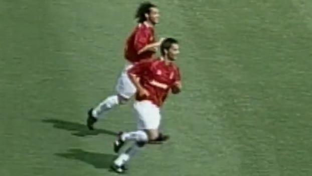 Em 2004, Rafael Sóbis marcou e Internacional bateu Corinthians por 3 a 0 no Beira-Rio