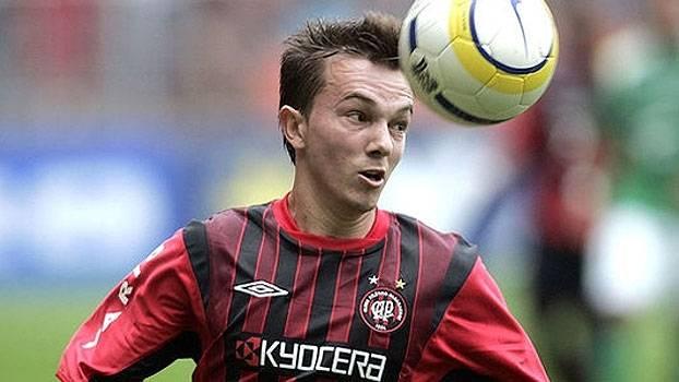 De Jadson para Dagoberto; lindo gol deu vitória ao Atlético-PR sobre o São Paulo em 2004