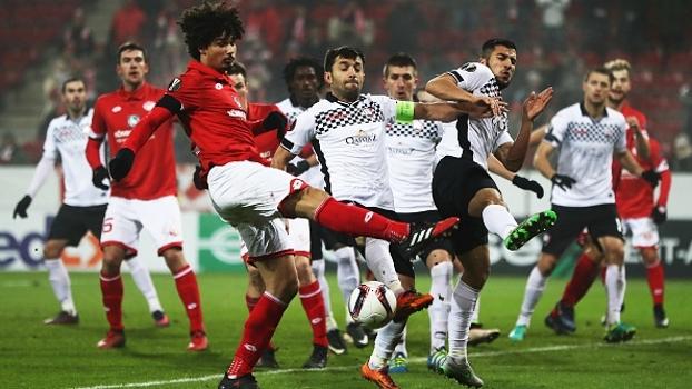 Já desclassificado, Mainz impõe 6º derrota seguida ao zerado Qabala na UEFA Europa League