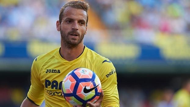 Fora da casa, Villarreal passa por cima do Valencia e garante vaga na Liga Europa