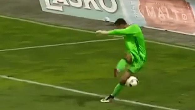 No apagar das luzes, furada bisonha de goleiro dá classificação a time esloveno na Europa League