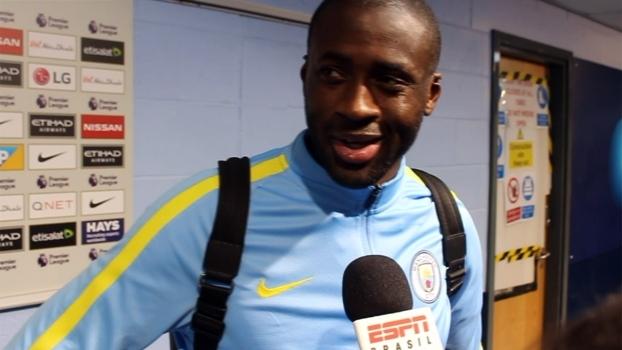 Yaya Touré vê azar de Fernandinho em expulsão: 'É pequeno, mas muito agressivo'