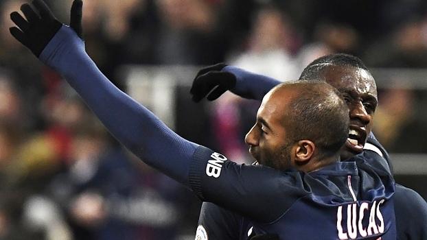 Lucas e Thiago Silva marcam, PSG vence e mantém perseguição ao líder Monaco