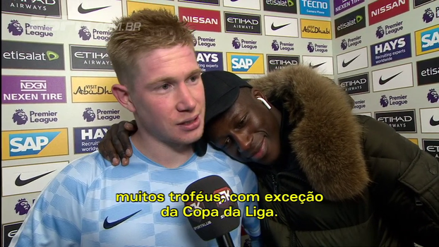 Mendy invade entrevista de De Bruyne, dá beijinho no craque e questiona repórter: 'Seremos campeões?'