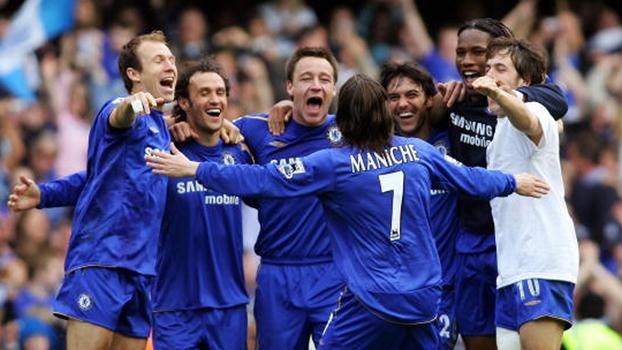 Joe Cole fez golaço, Chelsea de Robben e Drogba bateu United de CR7 e foi bicampeão inglês em 2006