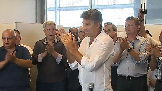 Em reapresentação, Renato Gaúcho manda recado aos reforços e aplaude elenco campeão
