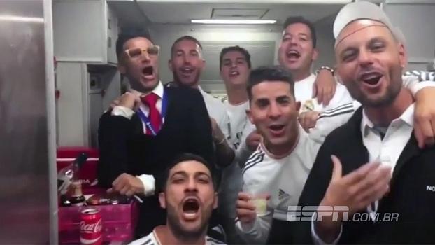 Sergio Ramos comanda festa do Real no avião durante retorno a Madrid