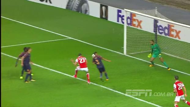 Mesmo com golaço de falta, Istanbul perde para o líder Braga nos últimos minutos