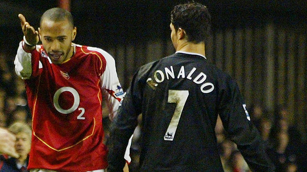 Arsenal começou na frente com Henry maestro, mas CR7 comandou vitória de virada do United em 2005