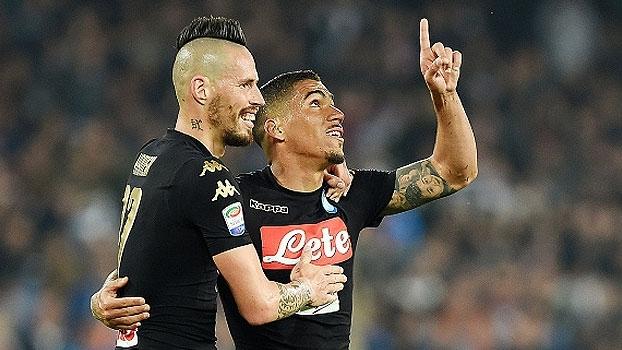 Napoli vence Udinese com gol brasileiro e encosta na Roma