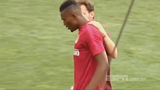Mensah não aguenta o ritmo e passa mal no primeiro treino de pré-temporada do Atlético de Madri