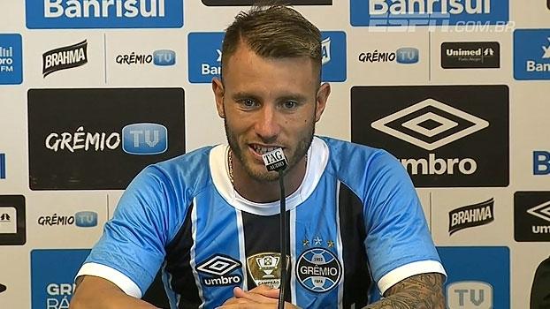 Apresentado, 'Gata' Fernández não poupa elogios a Douglas: 'É um símbolo do time'