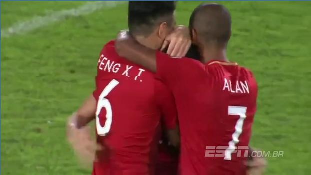 Brasileiros marcam 5, Guangzhou Evergrande goleia Shanghai SIPG pela Champions Asiática, mas é eliminado nos pênaltis