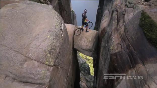 Ciclista belga se aventura em montanha na Noruega e gera imagens incríveis