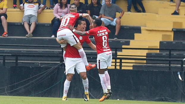 Assista aos gols da vitória do Internacional sobre o Criciúma por 3 a 2!