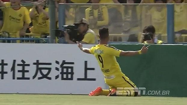 Atacante ex-Juventude anota gol absolutamente sem querer no Japão