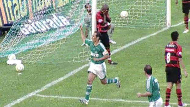 Edmundo brilhou, Paulo Baier marcou e Palmeiras venceu Flamengo no Parque Antártica em 2006