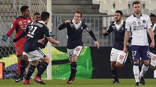 Com gol relampago, Bordeaux vence Toulouse e sobe no Francês
