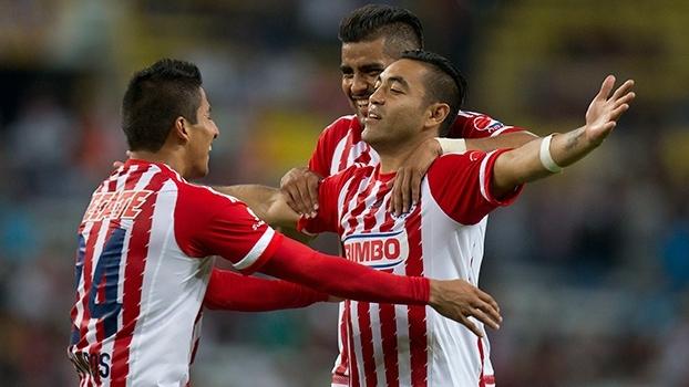 No Clásico Tapatío, Chivas vence o Atlas com lindo gol de falta de Marco Fabian