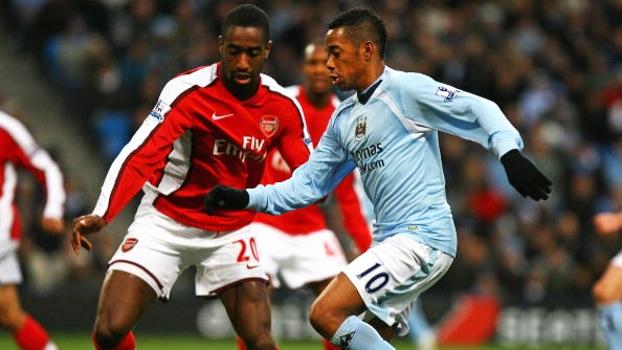 Pelo Manchester City, camisa 10 Robinho já marcou golaço por cobertura contra o Arsenal em 2008