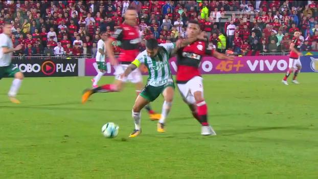 Cartões, arbitragem e quatro gols: Bibiana Bolson traz os detalhes de Flamengo x Palmeiras