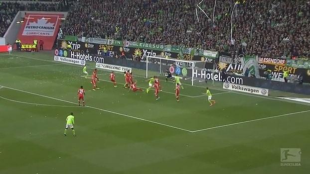 Tempo real: ULREICH! Rodríguez cobra escanteio na área, mas o goleiro do Bayern fica com a bola