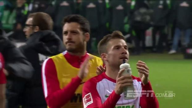 Mesmo fora de casa, Augsburg atropela Werder Bremen e pula para nono na tabela