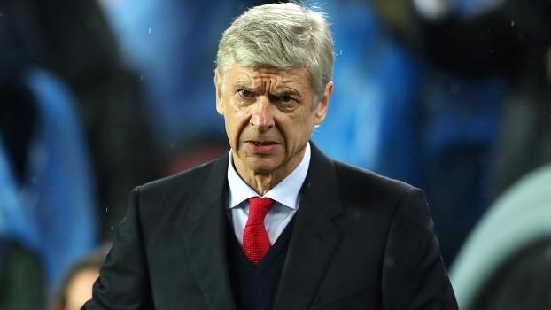 Wenger elogia Barça: 'Transformam a vida normal em arte'