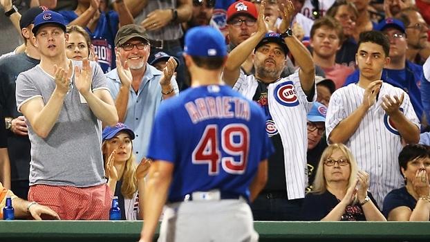 Jake Arrieta vai mal, e Boston Red Sox vence Chicago Cubs no Fenway Park