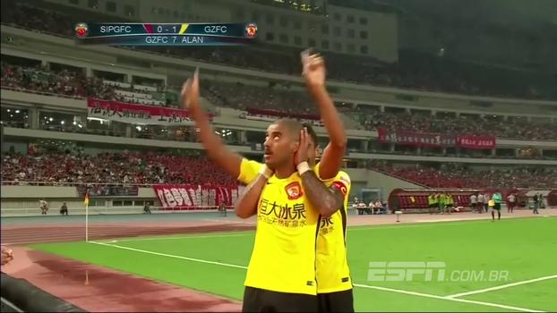 Assista aos gols do empate entre Shanghai SIPG e Guangzhou Evergrande por 2 a 2