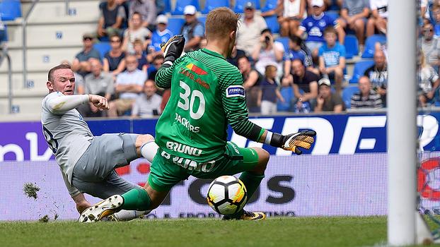Rooney marca de novo, mas Everton cede empate em amistoso contra o Genk