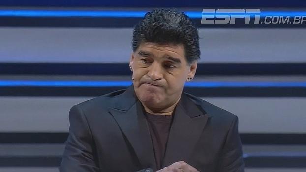 Em evento do Napoli, Maradona alfineta Pelé: 'Sempre em segundo'