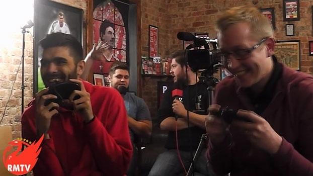 'Youtubers' torcedores de United e Liverpool fazem prévia hilária do clássico no FIFA95