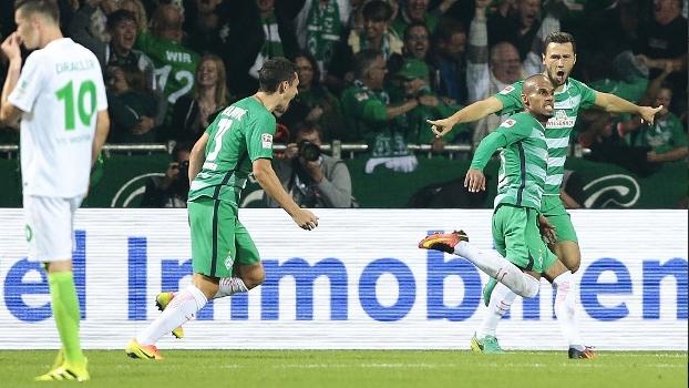 Werder vira sobre Wolfsburg, vence a 1ª no Alemão e deixa zona de rebaixamento