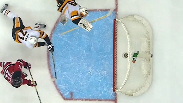 Na NHL, goleiro do Pittsburgh Penguins faz defesa incrível