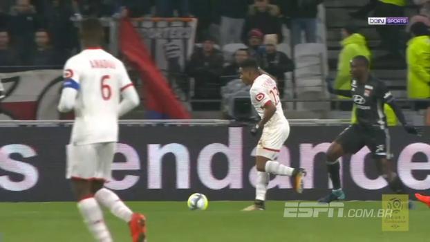 Ex-São Paulo, Thiago Mendes corta para a canhota e faz gol de Robben contra o Lyon
