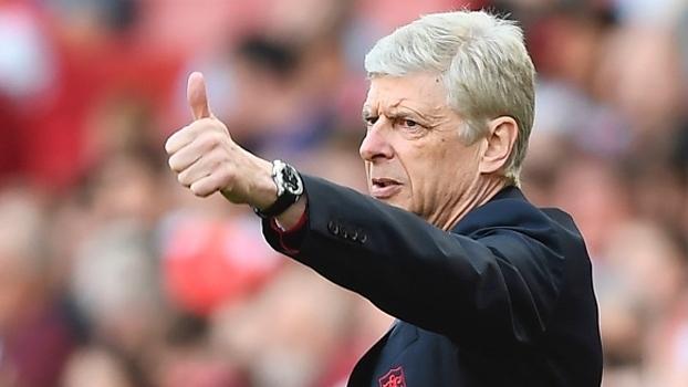 Wenger lamenta ausência na próxima Champions e declara amor ao Arsenal: 'Amarei até o meu último dia de vida'