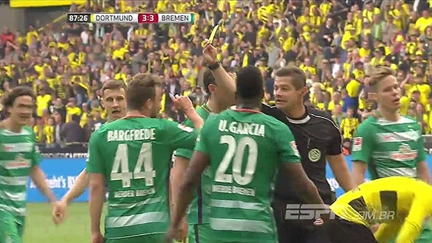 Pênalti? Pulisic invadiu a área desequilibrado e juiz marcou a penalidade que deu a vitória ao Dortmund