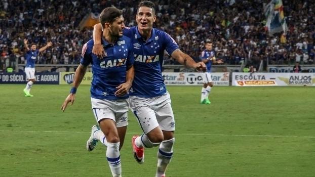 Assista aos gols da vitória do Cruzeiro sobre o América Mineiro por 2 a 0!