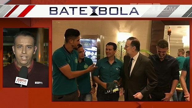 Presidente do governo espanhol quebra protocolo e cumprimenta jogadores da Chape em Montevidéu