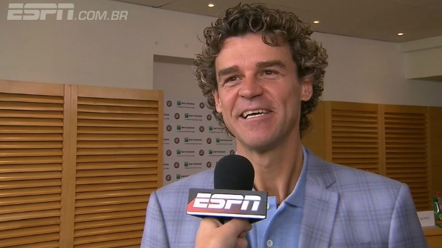 Guga relembra título histórico de Roland Garros e impacto da conquista para o tênis no Brasil